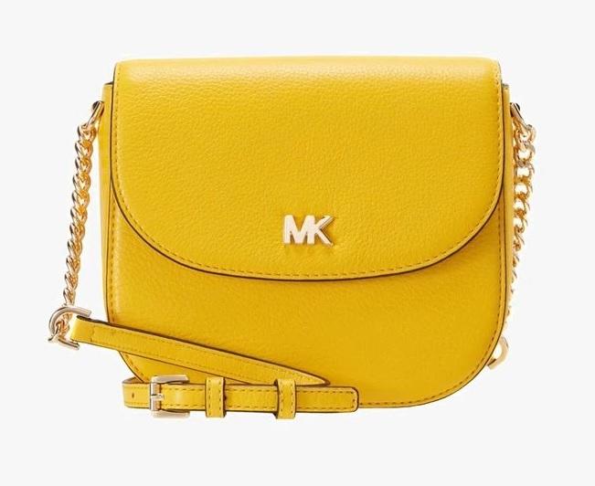 znaczek MK na torebce