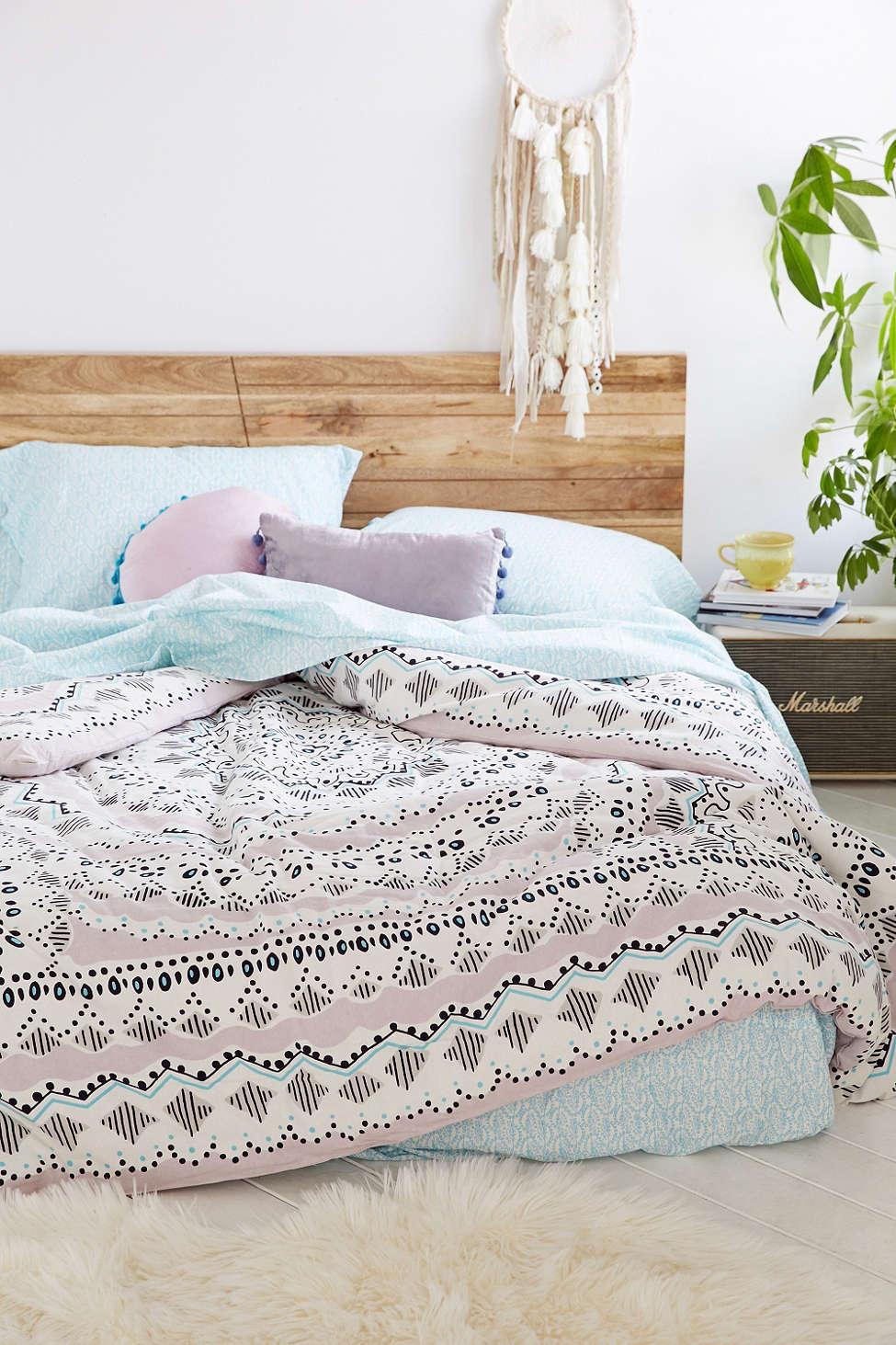 Chicdeco Blog   Understated Boho-chic Bedroom Decor