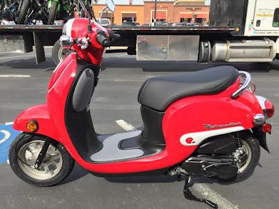 2016 Honda Metropolitan red