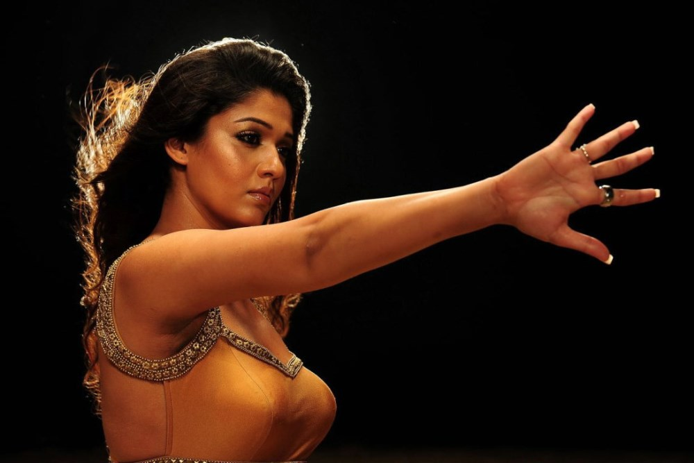 Nayantara in tight golden dress, Nayantara spicy pics