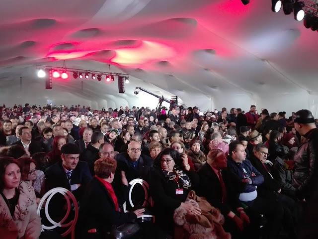 رغم أن القاعة لا تتسع إلا لـ1.200 على أقصى تقدير: حزب الشاهد يؤكد أن الحضور تجاوز الـ6.000 خلال إجتماع التأسيس