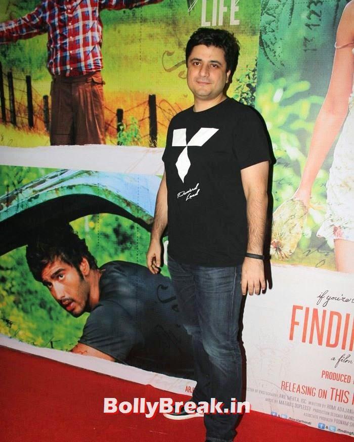 Goldie Behl, Deepika Padukone in Beige Colur Saree for 'Finding Fanny' Screening
