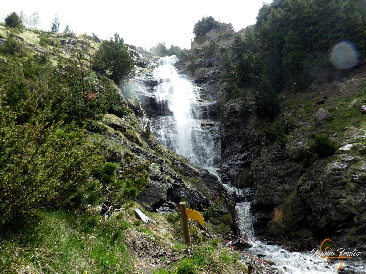 P1140127 - Ruta Las Tres Cascadas de Cerler con mucha agua