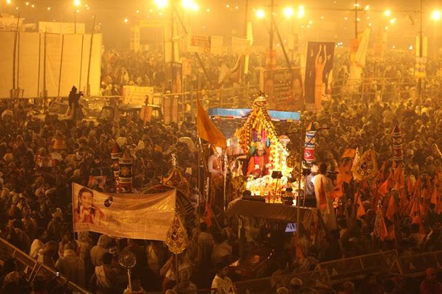 Ajab Gajab Facts ~ सिंहस्थ महाकुंभ : जानिए हिंदू साधू-संतो के 13 प्रमुख अखाड़ों की खास बातें
