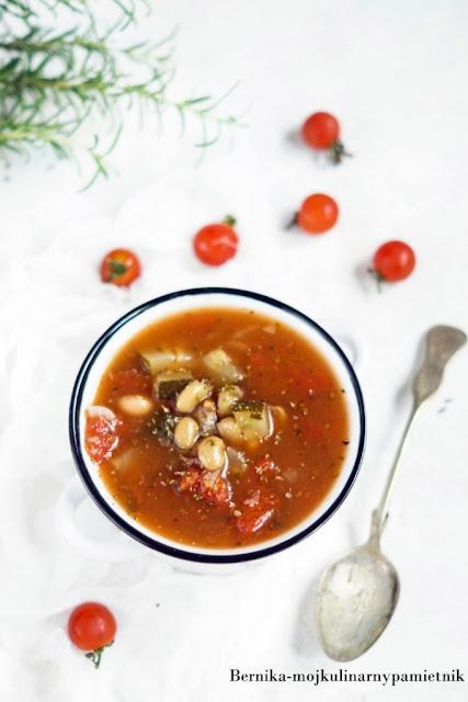 zupa, cukinia, fasolka, pomidory, pomidorowa, obiad, bernika, kulinarny pamietnik