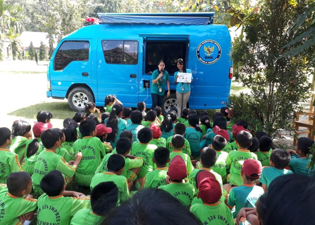 Tangkal Penyalahgunaan Narkoba, BNNK Tana Toraja Sosialisasi di Kalembang dan Rantepao