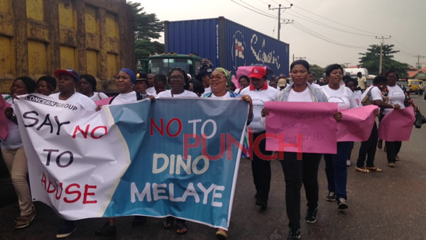 WOMEN PROTESTS AGAINST MELAYE IN LAGOS (PHOTOS)