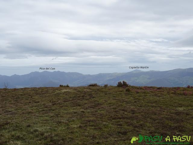 Ruta de los Castros: Vista desde el Penácaros hacia el Pico del Can y Capiella Martín