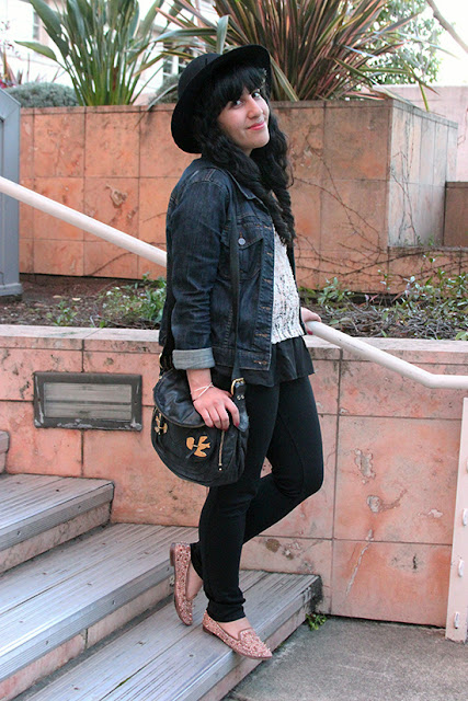 LE TOTE Denim Jacket Pink Blush Knit Top Sam Edelman Adena Spiked Flats Blogger Outfit