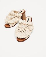 Sandales Pompons