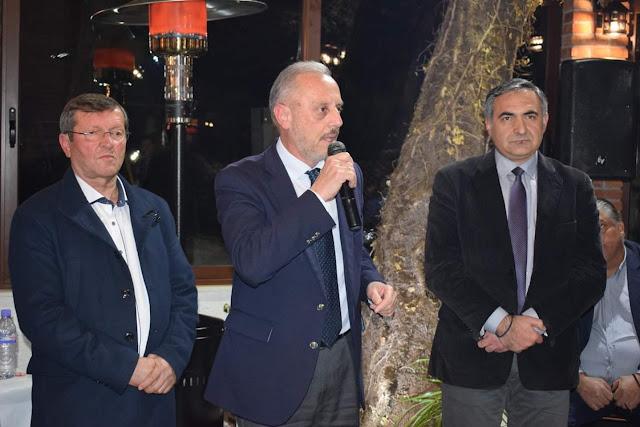 Ο Αντώνης Μπέζας στην εκδήλωση κοπής της πρωτοχρονιάτικης πίτας του κόμματος MEGA- ΕΕΜΜ