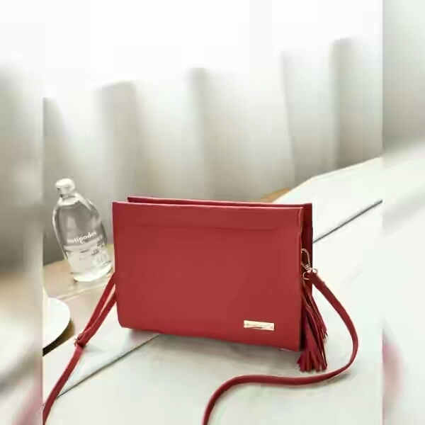 Jims Honey Coco Clutch Red