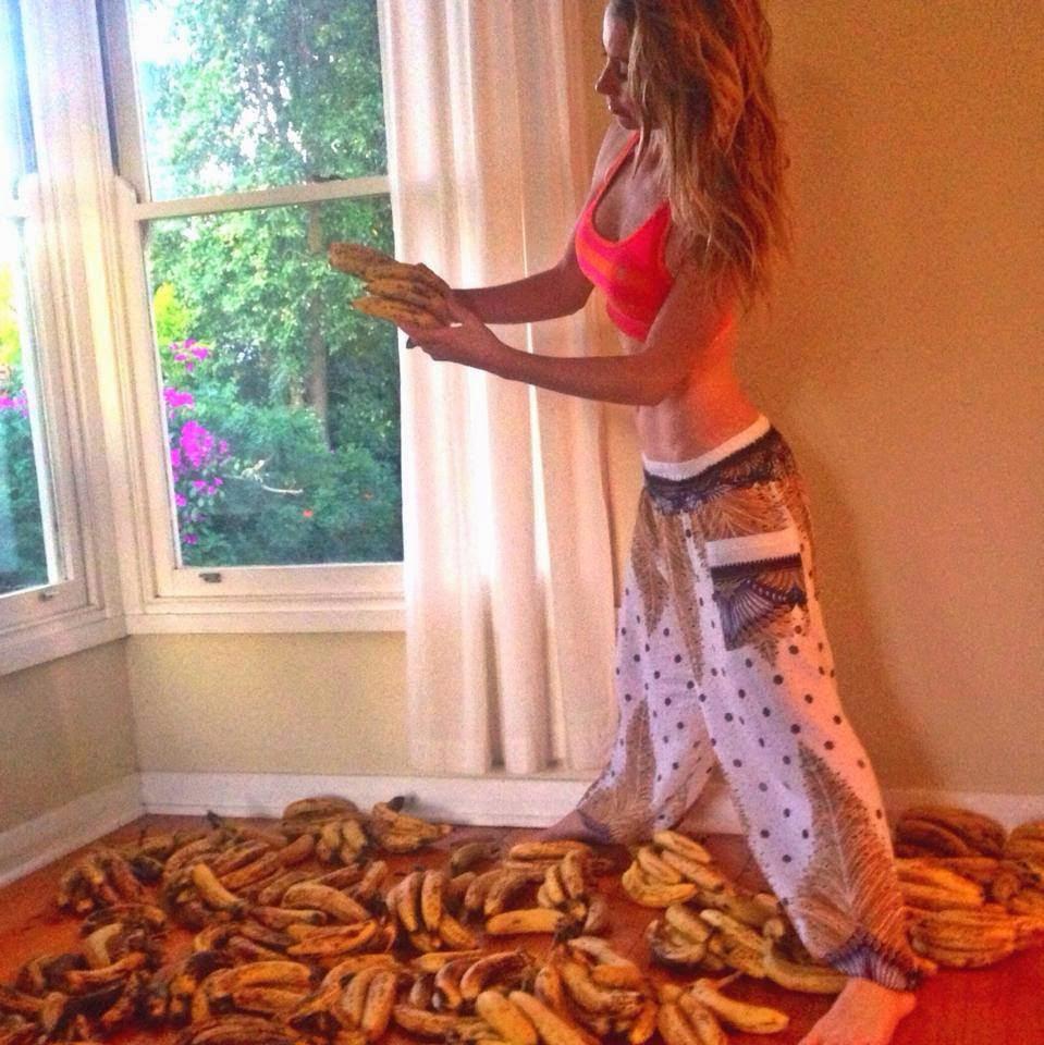 Freelee The Banana Girl Video Responds To Critics -1486