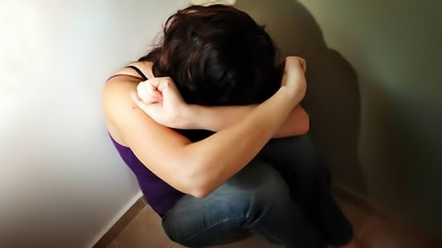في دمشق أب يتحرش بابنته جنسياً بغياب والدتها..والأبنة تصور ما جرى وتدَعي عليه.