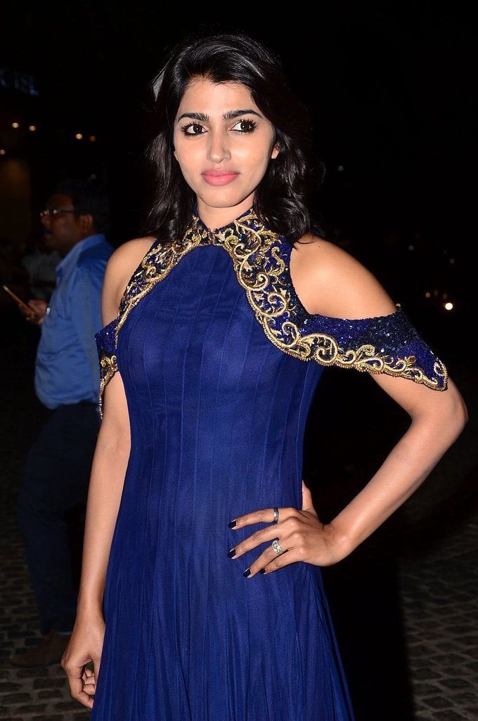 Dhanshika Photos At Jio Filmfare South Awards 2017 In Blue Dress