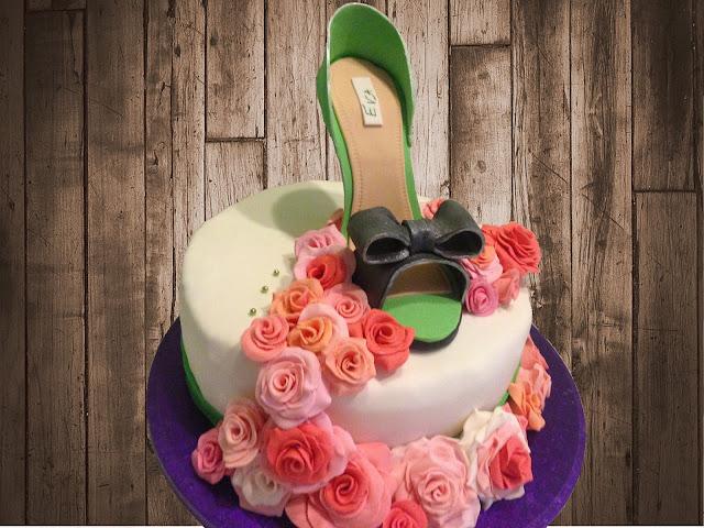 fondant shoe cake