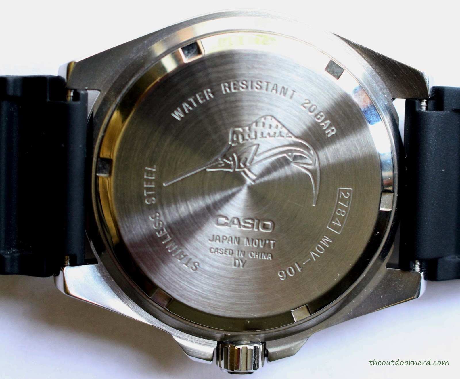 Casio MDV106-1A Diver's Watch: Back View of Case