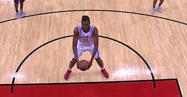 Chinanu Onuaku underhand free throws for Houston Rockets