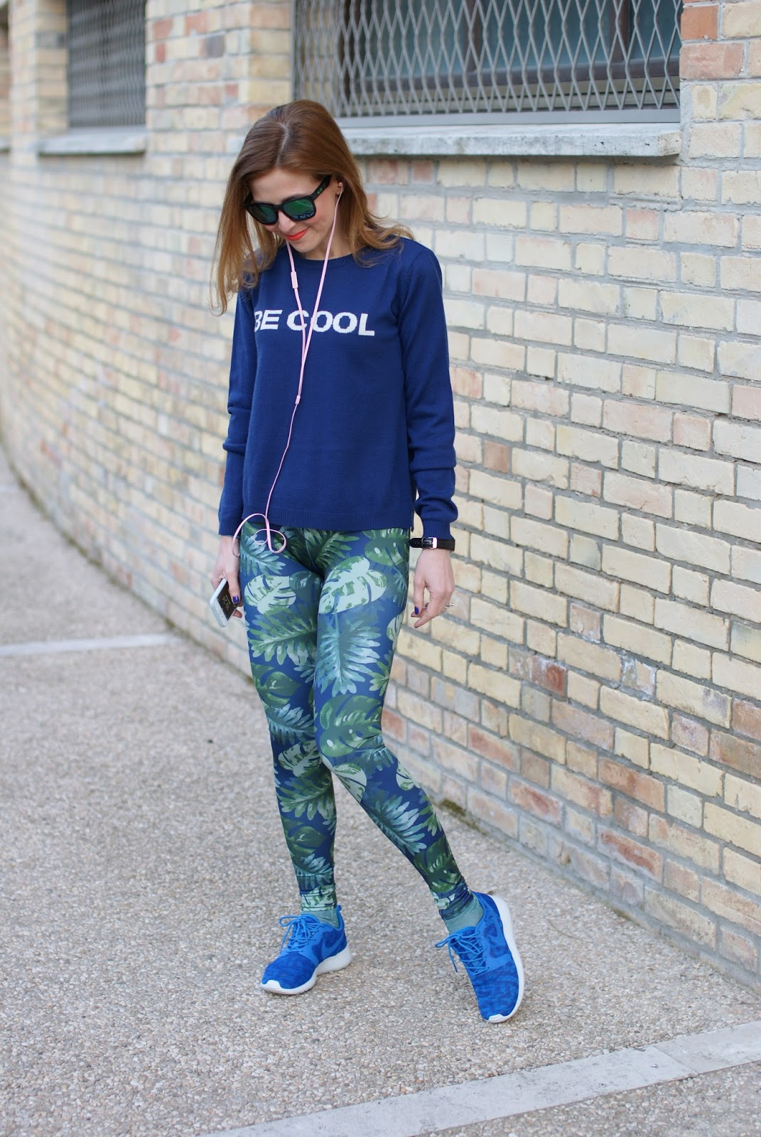 Pins to Kill scattered leaf leggings, Nike Roshe Run, Fashion and Cookies fashion blog, fashion blogger style