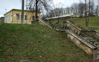 http://fotobabij.blogspot.com/2016/01/puawy-dworzec-kolejowy-pkp-stare-schody.html