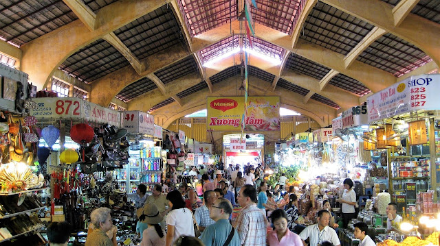 ben thanh market saigon ho chi minh vietnam