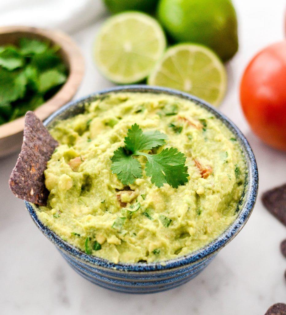 Sos guacamole pentru bebelusii de peste 8 luni