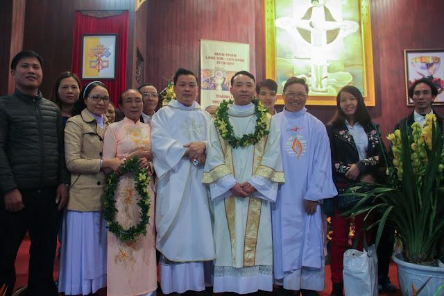 Lễ truyền chức Phó tế và Linh mục tại Giáo phận Lạng Sơn Cao Bằng 27.12.2017 - Ảnh minh hoạ 201