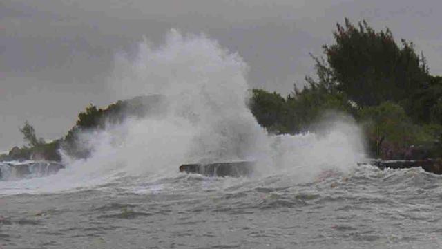 BMKG Peringatkan Ada Potensi Gelombang Air Setinggi 2,5-4 Meter di 24 Wilayah Perairan Ini