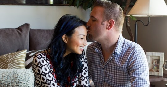 the real talk show host jeannie mai splits with husband of