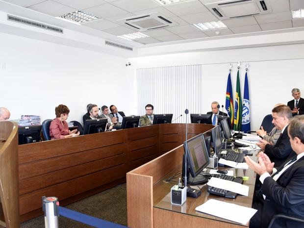Tribunal de Contas- de PE tira da lista de 'fichas sujas' nomes de prefeitos e ex-prefeitos