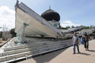 1.000 Prajurit TNI Diterjunkan guna ikut Bantu Evakuasi Korban Gempa Di Aceh - Commando