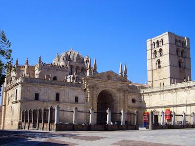 Catedral románica; Zamora; Castilla y León; Vía de la Plata