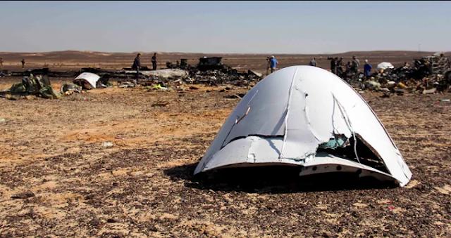 Bomba explode em avião