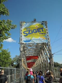Sziget, puente de entrada