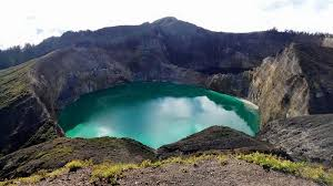 Danau Kalimutu  | nusa-tenggara-timur | wonderful indonesia