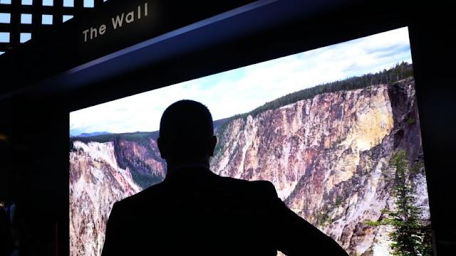 """El siguiente nivel de personalización"": Samsung presenta The Wall, un gigantesco televisor modular"