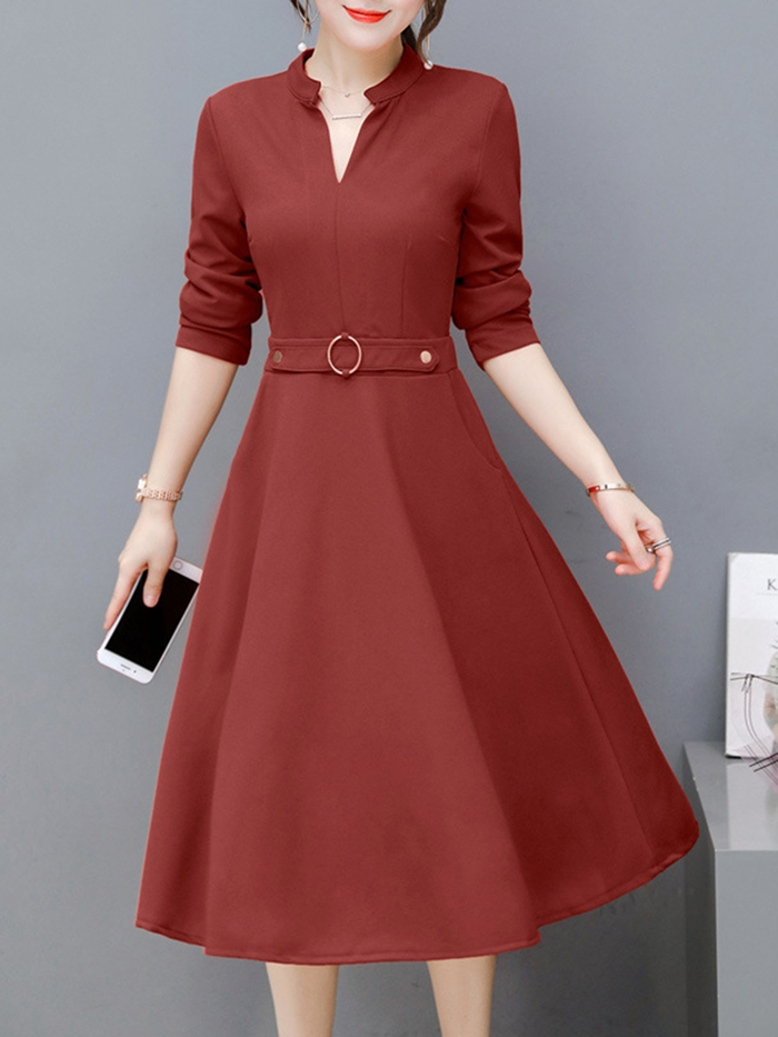 https://www.fashionmia.com/Products/women-split-neck-solid-midi-skater-dress-196986.html