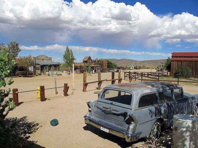 Lingkungan di Pioneer Town