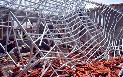 rangka atap baja ringan model limas konstruksi bangunan rumah sederhana: penyebab ...