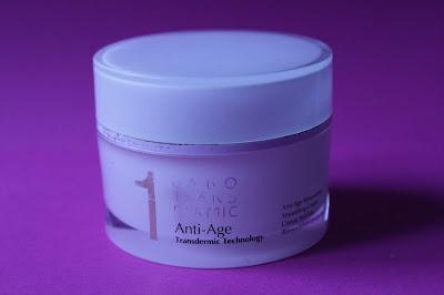 La foto è la crema AntiAge di Labo che ho terminato. Pack lussuoso e crema extra ricca.