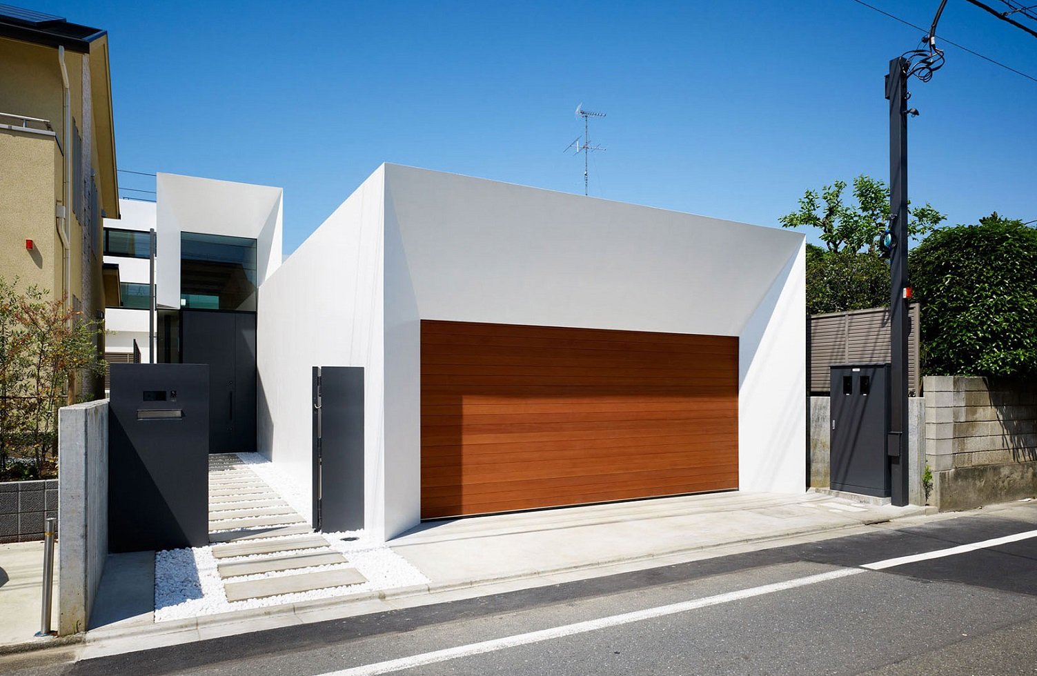 1000 images about fachadas on pinterest modern houses for Design casa moderna