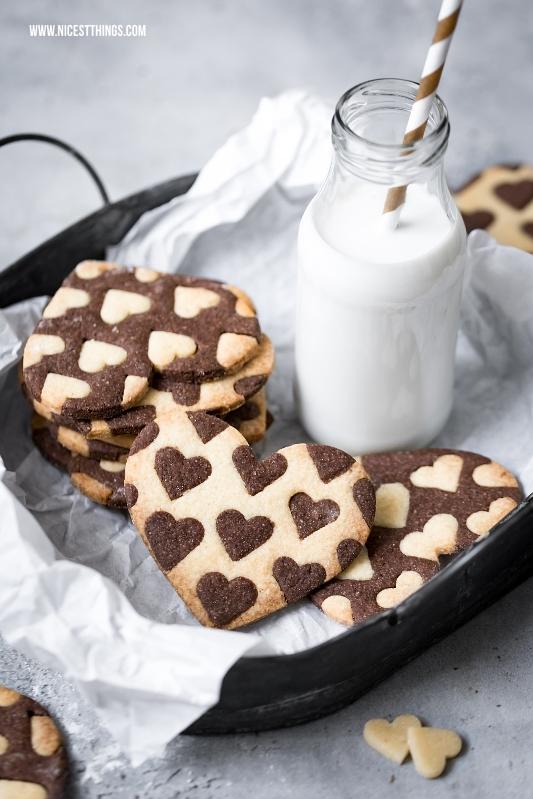 Zweifarbige Herz Kekse backen zum Valentinstag, Bicolor Heart Cookies Rezept
