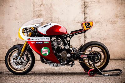 Triumph Legend TT 900 with Daytona 675 Forks