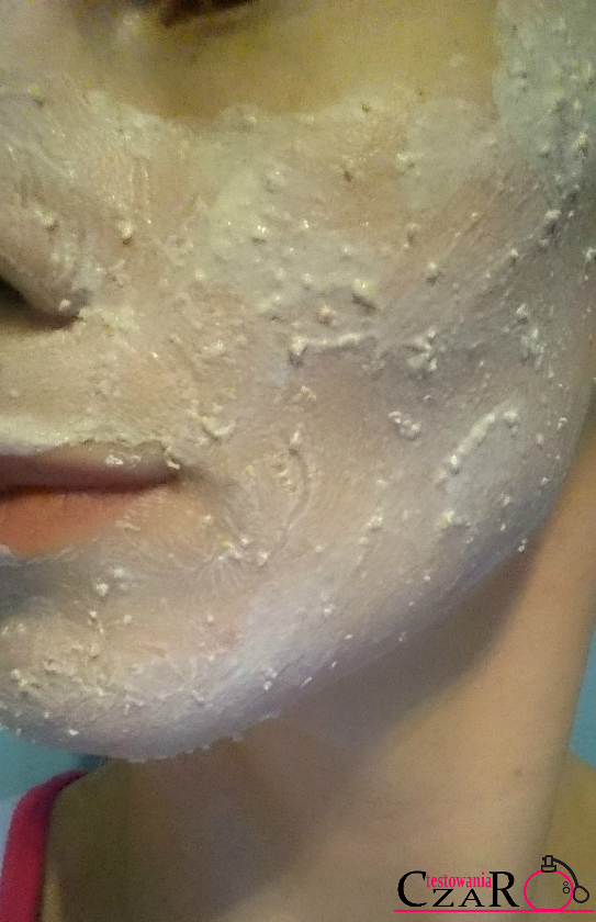 Delikatny puder myjący Make Me Bio