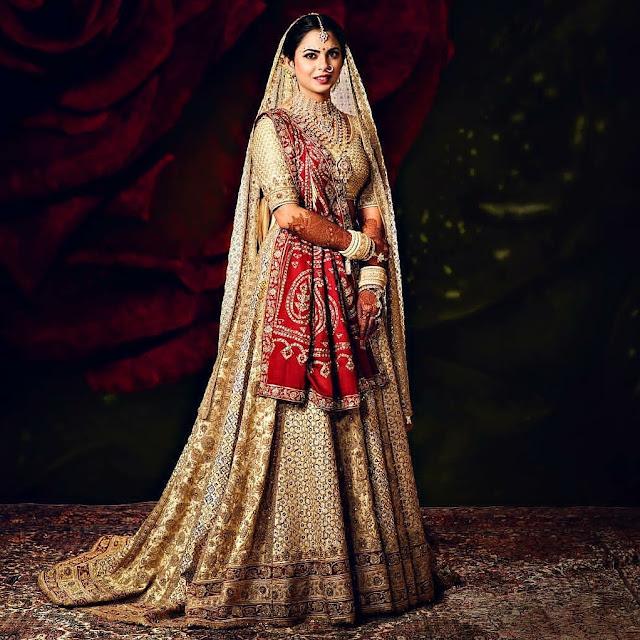Isha Ambani Wears Abu Jani Sandeep Khosla for her Wedding