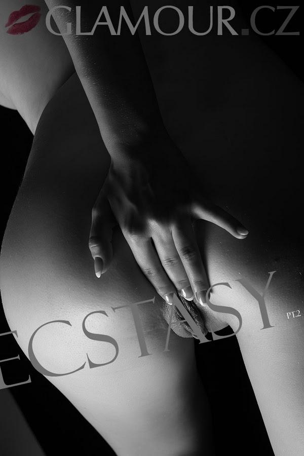[Glamour.CZ] Karina - Ecstasy, Part 2 - idols