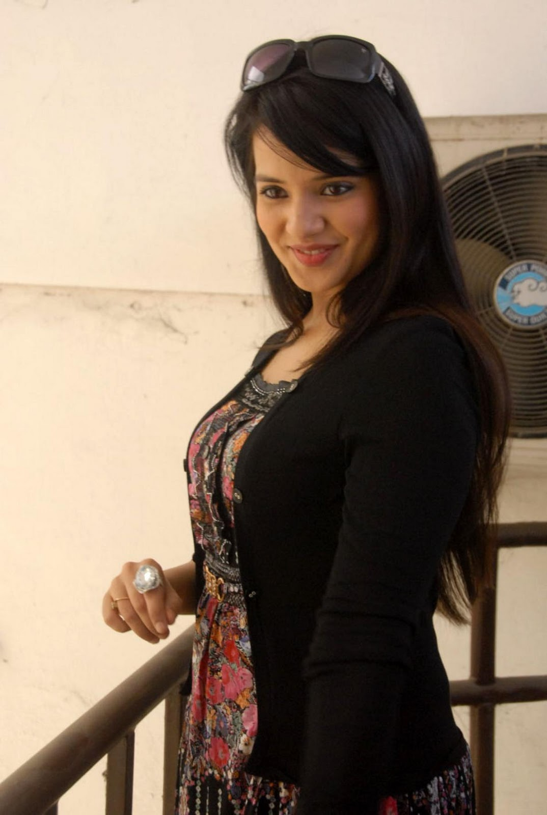 Tamil cinema foto telugu actress saloni latest hot images for Immagini saloni