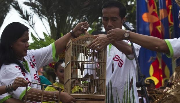Pemerintah DKI didesak untuk menciptakan larangan menangkap burung di taman kota Pemerintah DKI didesak untuk menciptakan larangan menangkap burung di taman kota