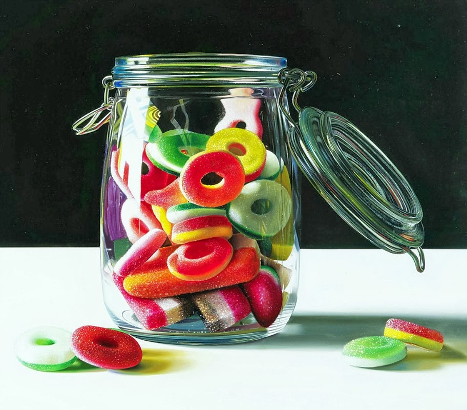 11-Spaceship-Roberto-Bernardi-Hyper-realistic-Candy-Paintings-www-designstack-co