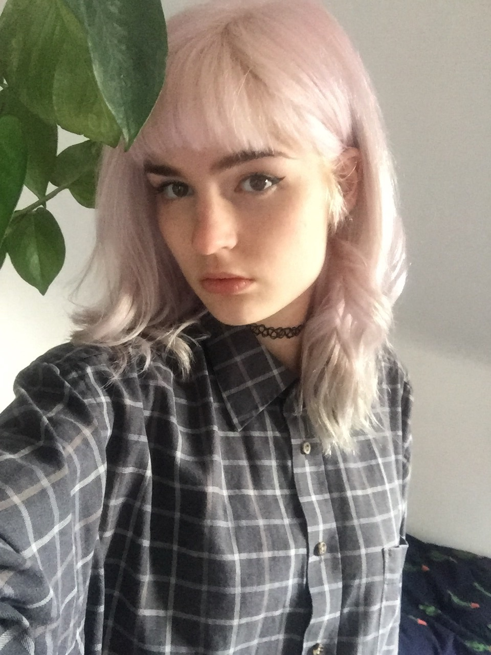 girl with pastel pink hair